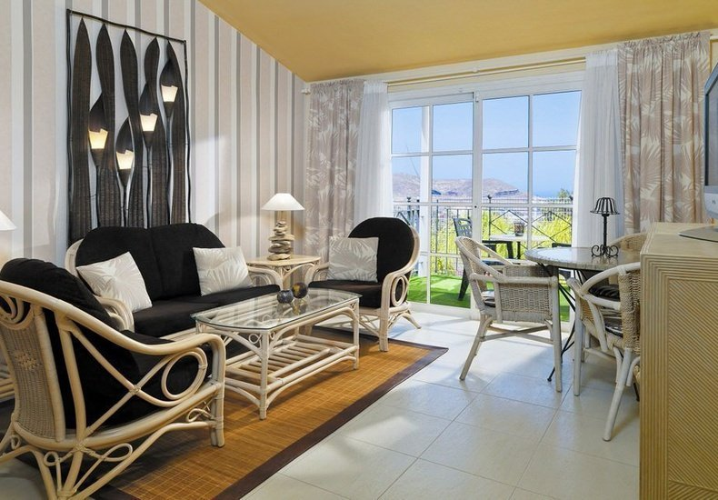 1 bedroom deluxe suite gran oasis resort playa de las américas, tenerife